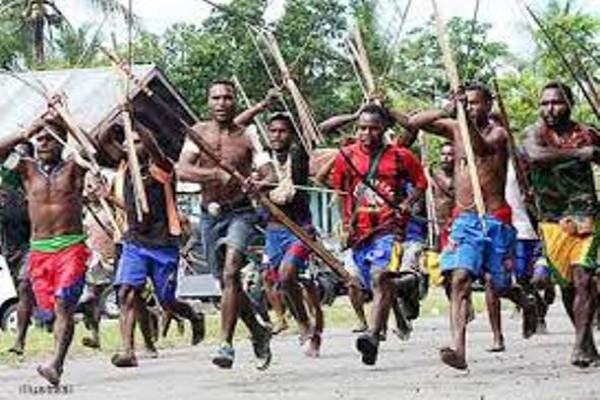 Enam orang terkena panah dalam pertikaian pilkada di Puncak Jaya