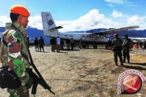 Seratusan Paskhas bantu pengamanan bandara di Papua