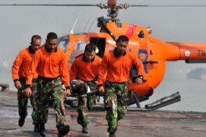 Tim SAR evakuasi pendaki meninggal di Cartenz