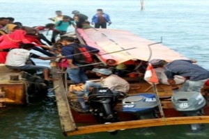 Perahu berpenumpang 12 orang terbalik di perairan Yapen