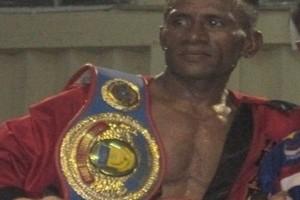 Petinju Papua menargetkan juara dunia WBO