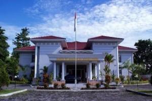 KPP Pratama Timika menargetkan penerimaan Rp2,6 triliun