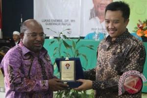 Menpora dan Gubernur Papua