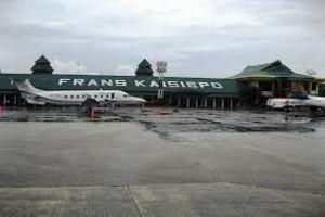 Arus penumpang di Bandara Biak masih normal
