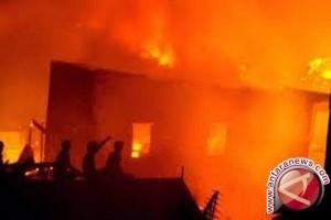 Empat unit rumah di Asrama Brimob Papua terbakar