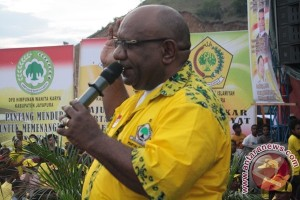 Klemen Tinal jadi ketua Pertina Papua