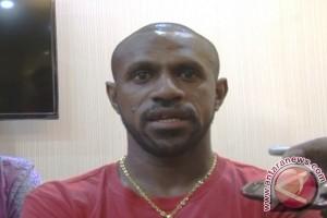 Lestiadi mainkan Boaz Solossa lawan PSM Makassar