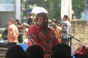 Gubernur Enembe Menata Perencanaan Pembangunan