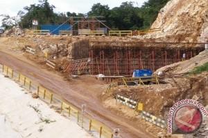 Pemkot Jayapura pastikan bangun jalan menuju jembatan Holtekam