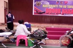 Prajurit TNI AU di Biak sumbang 100 kantong darah