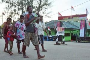 Warga PNG bertani di Indonesia