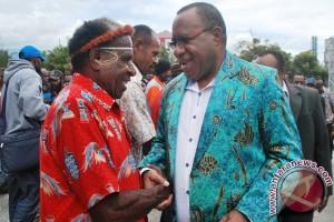 John Wempi Wetipo dan masyarakat adat Jayawijaya