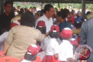 Seribuan pelajar Papua sambut kedatangan Presiden Jokowi
