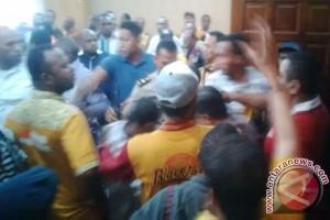 Uji kelayakan dan kepatutan Partai Hanura Papua diwarnai kericuhan