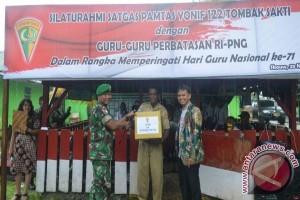 Guru di perbatasan RI-PNG dapat bantuan tali asih
