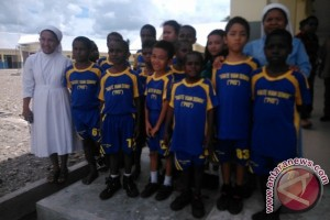 Terpanggil melayani pendidikan anak-anak pedalaman Papua