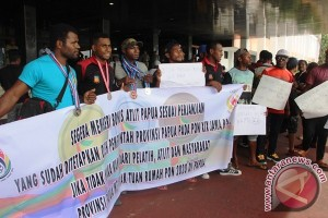 Pelatih dan atlet Papua demo pertanyakan bonus PON Jabar