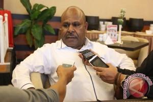 Calon Petahana Intan Jaya optimistis unggul debat