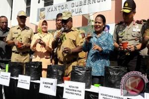 Ibu-ibu di Papua pun tanam cabai