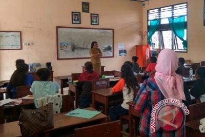 Program les tambahan siswa Papua