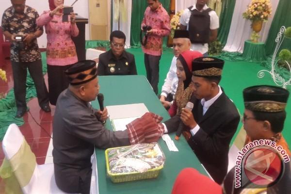 100 pasangan muslim nikah massal di Kota Jayapura