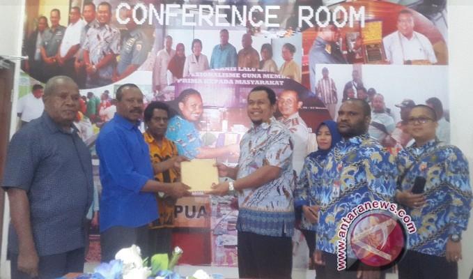 KPU dan Panwaslu Yapen dilaporkan ke Ombudsman