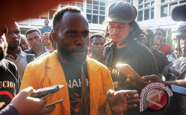 Mahasiswa Papua demo minta Freeport ditutup