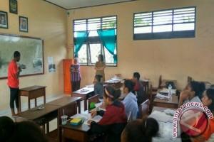 Dispendasbud Mimika programkan les gratis bagi siswa Papua
