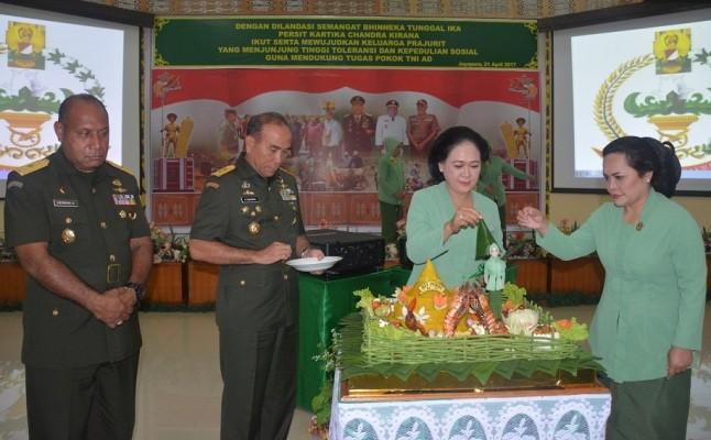 Persit Cenderawasih gelar syukuran di Hari Kartini