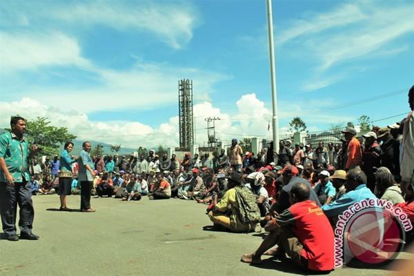 Ratusan kepala kampung di Jayawijaya tuntut dana prospek