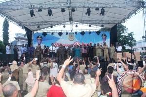 Semarak empat tahun kepemimpinan Lukas Enembe-Klemen Tinal