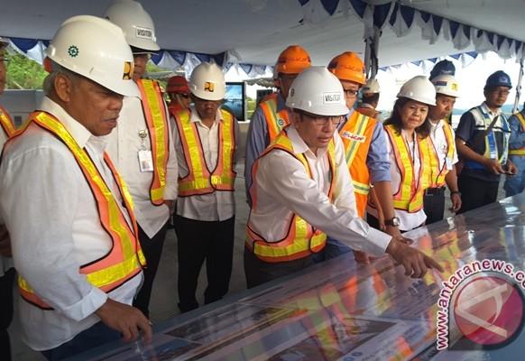 Menteri PUPR tinjau pembangunan jembatan Hamadi-Holtekam
