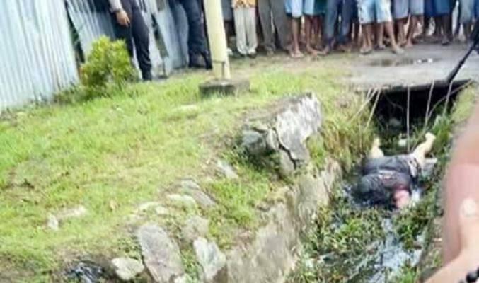 Warga Waena temukan mayat wanita di selokan