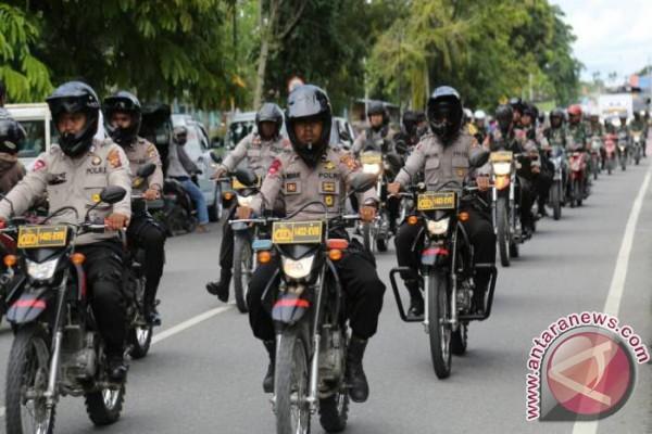 TNI-Polri konvoi kendaraan taktis keliling Timika