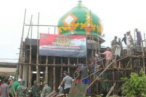 Yonif 310/KK perbaiki dua rumah ibadah di Asikie Boven Digoel