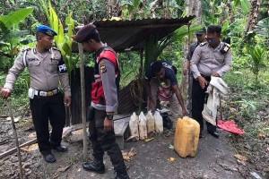 Polisi Keerom gerebek lokasi pembuatan minuman beralkohol