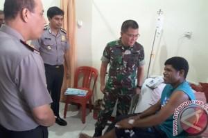 Pangdam dan Kapolda Papua jenguk korban penembakan