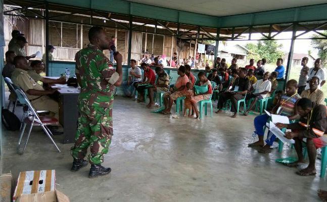 Babinsa Koramil Tanah Merah ajak masyarakat pelihara stabilitas keamanan