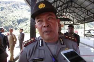 Polisi bubarkan massa yang berupaya menduduki Kantor KPU Puncak Jaya