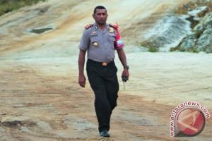 Kapolres Jayawijaya bantu warga Nduga penyandang disabilitas