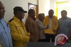 Lukas Enembe mendaftar di PKS dan Golkar untuk maju Pilgub Papua