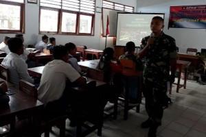 Puluhan pelajar ikut sosialisasi narkoba di perbatasan RI-PNG