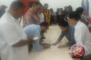 Paulus Waterpauw juga mendaftar di Partai Gerindra untuk Pilgub Papua