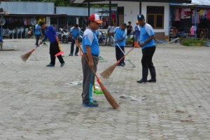 Polisi Waropen bersihkan lokasi Pasar Uri
