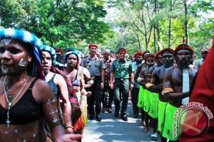 Kapolda Papua dan Pangdam Cenderawasih tatap muka dengan ratusan pemuda