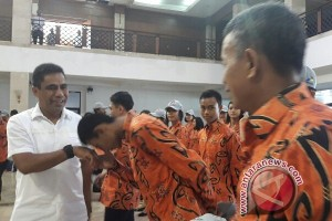 Pemprov Papua lepas Kontingen Ustawa Dharmagita menuju Palembang