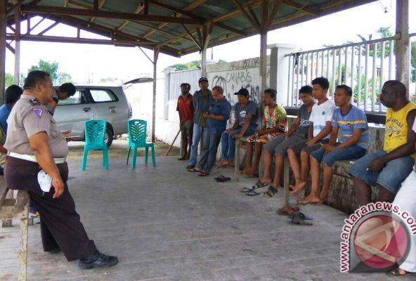 Polisi Sarmi sosialisasi lalu lintas kepada supir rental