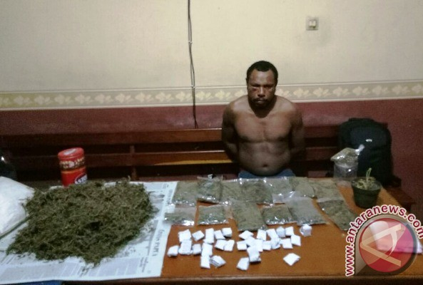 Warga PNG ditangkap karena edarkan ganja