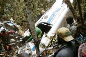 Empat jenazah korban pesawat AMA berhasil dievakuasi