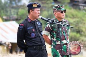 Kapolda Papua dan Pangdam Cenderawasih nyaris terkena tembakan KKB